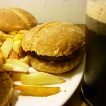 Seitan burger con patatine fritte (bio)